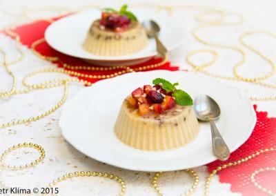 Vánoční ovesná panna cotta s anýzem  a brusinkovo-jablečným chutney