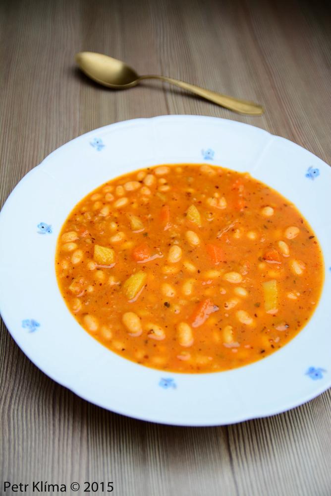 Snadná fazolová polévka