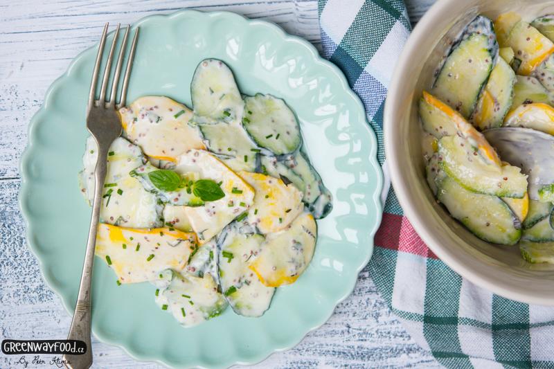 Cuketový salát s jogurtem a hořčicí