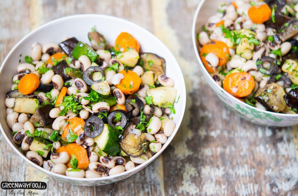 Černooký salát s pečenou zeleninou a petrželkou