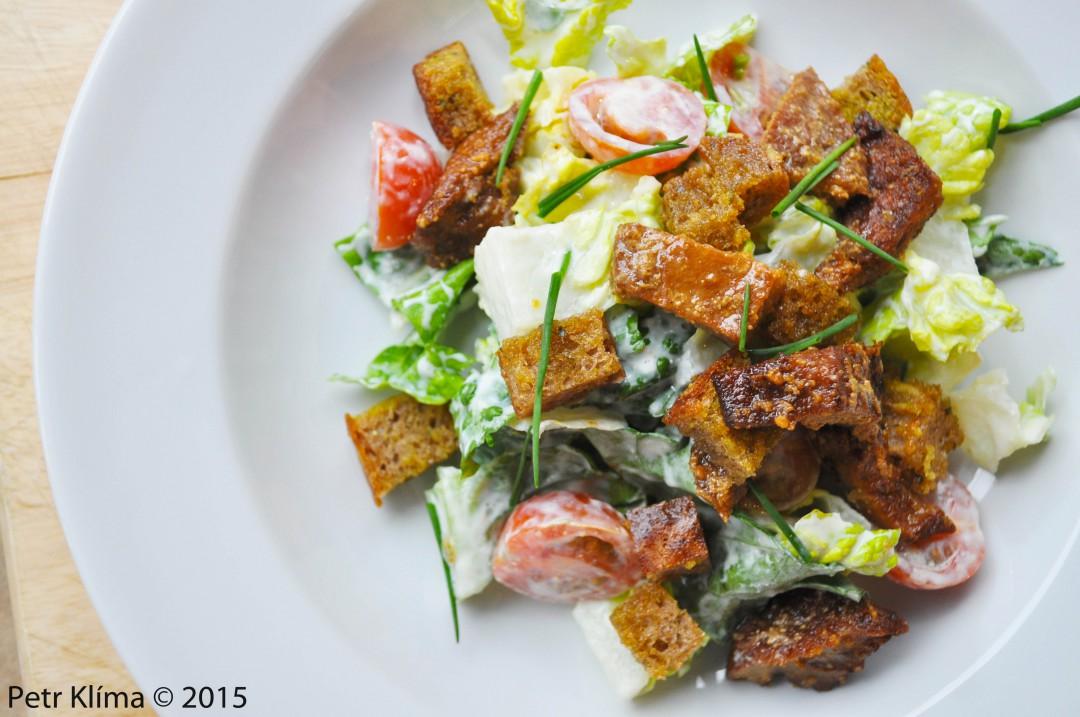 Bezmasý Caesar salát