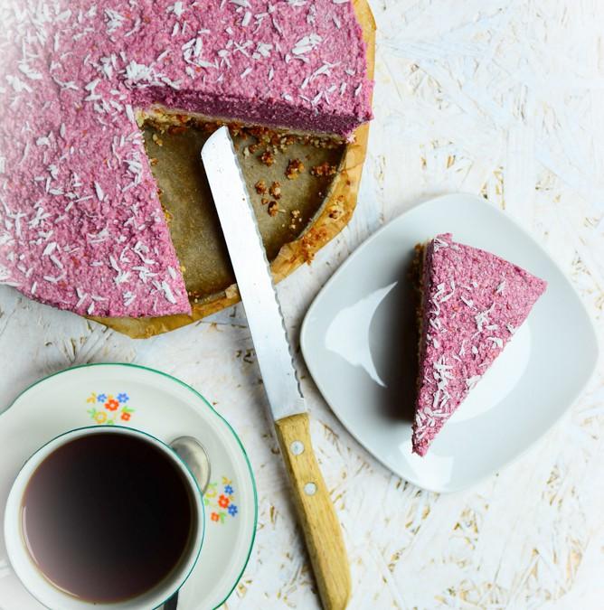 Raw malinový cheesecake s kokosem