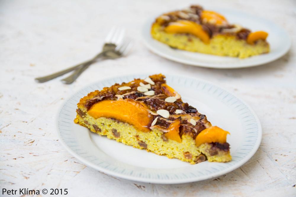 Jáhlový koláč s ovocem