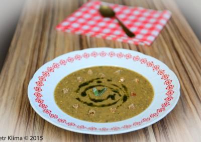 Polévka houbový krém  s pohankou a šalvějovým pestem