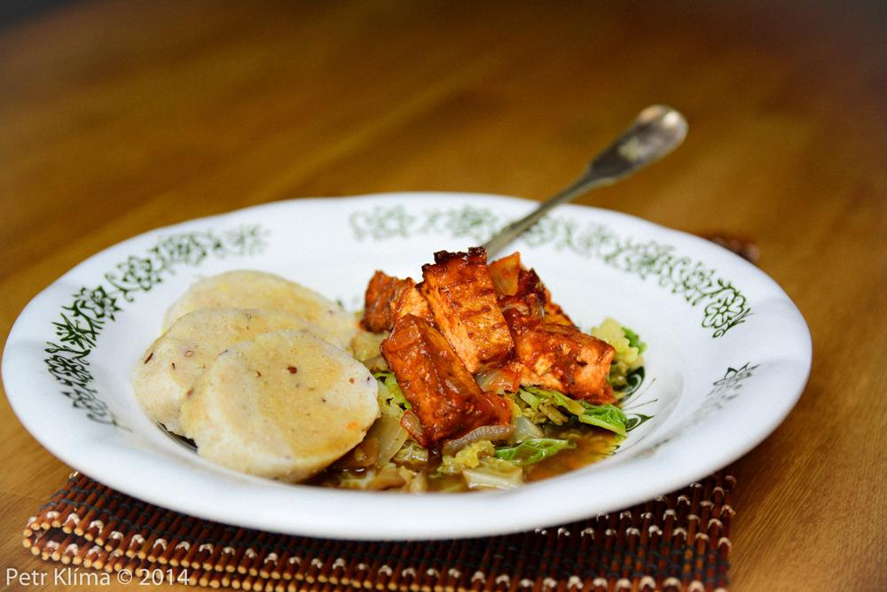 Tofu alá moravský vrabec s kapustou a bramborovým knedlíkem