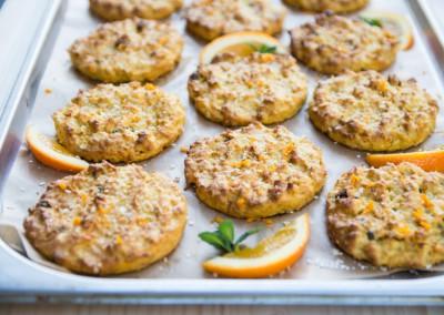 Mrkvové cookies s kokosem a pomerančem