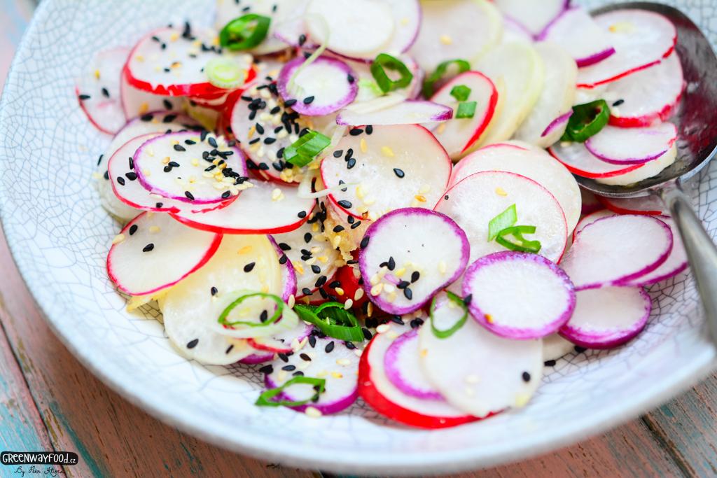 Sezamový ředkvičkový salát