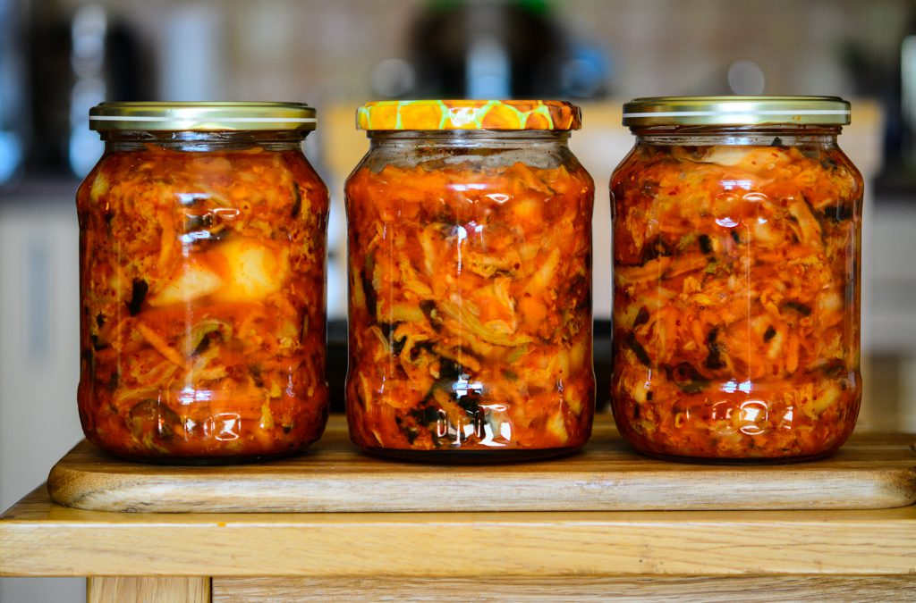 Kimchi (trochu jinak) shoubičkami shitake a řasou wakame