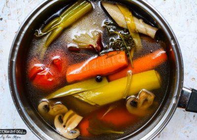 Poctivý zeleninový vývar s drožďovými knedlíčky